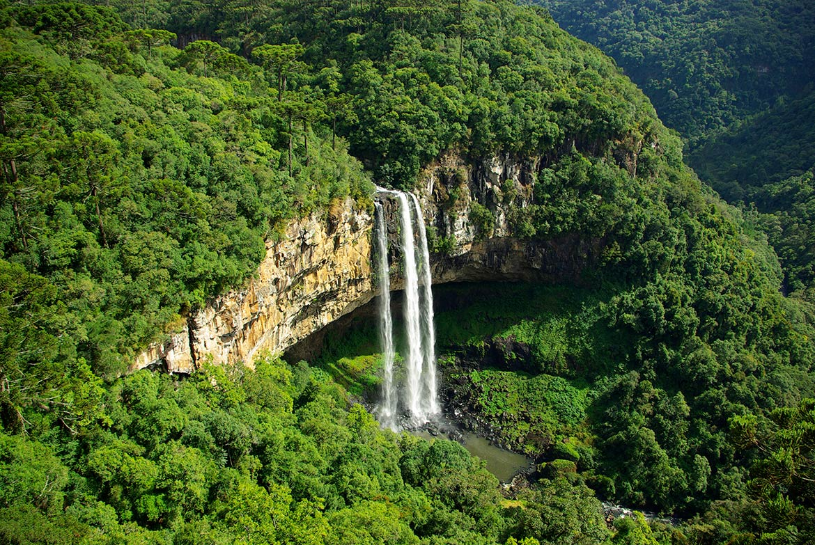 Caracol Falls (Cascata do Caracol), Caracol State Park, Brazil