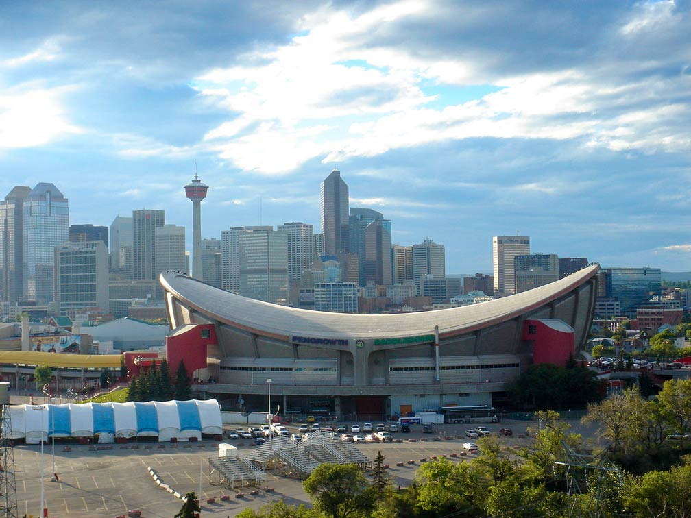 Calgary Skyline with Pengrowth Saddledome
