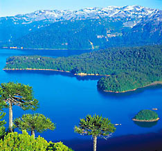 http://www.nationsonline.org/gallery/Chile/Pucon_lake_district.jpg