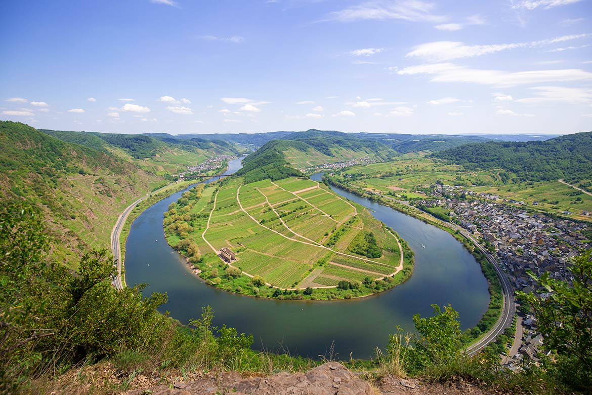 Mosel river near the town of Bremm, Rhineland-Palatinate