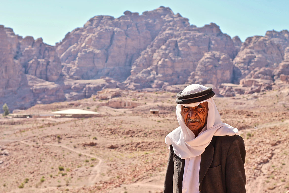 old Jordanian in the city of Petra