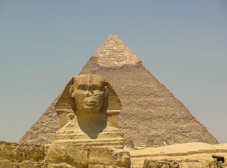 Famous Landmarks: Satellite View of the Pyramids of Giza ...