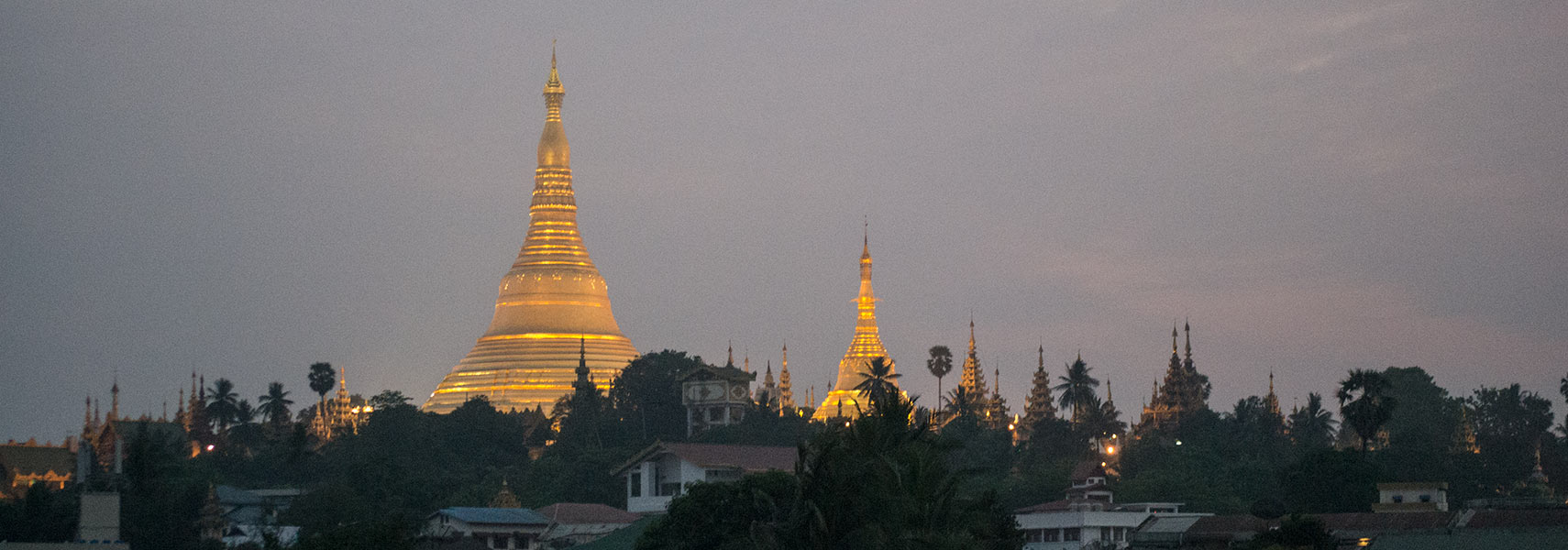 Yangon Shwedagon Pagoda at dawn