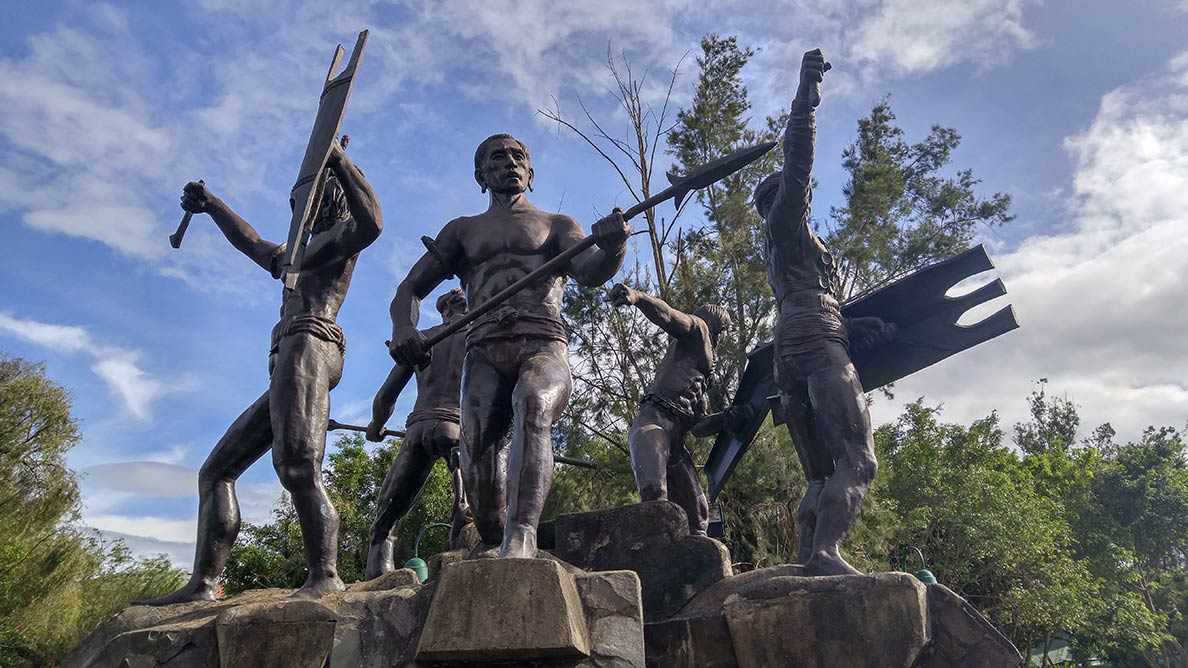 Monument of the five Igorot tribes of Baguio