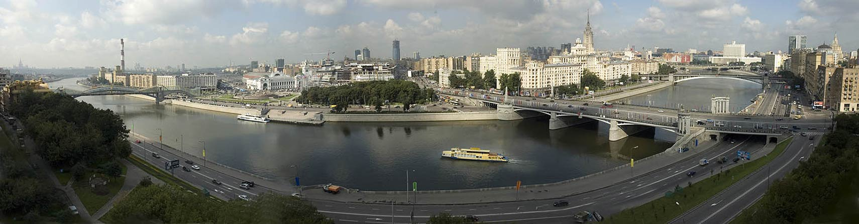 Moscow Panorama with Moskva River and Square of Europe