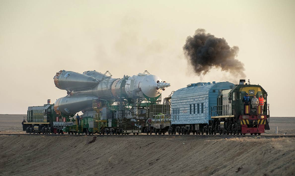 Parts of the Soyuz TMA-16 are transported to the launch pad of the Baikonur Cosmodrome.