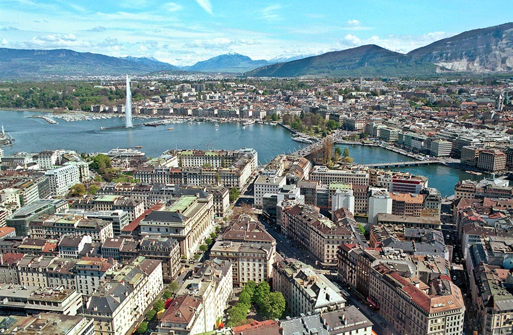 http://www.nationsonline.org/gallery/Switzerland/Geneve-panorama.jpg