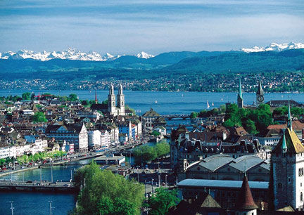 Zurich and lake Zurich with Swiss Alps