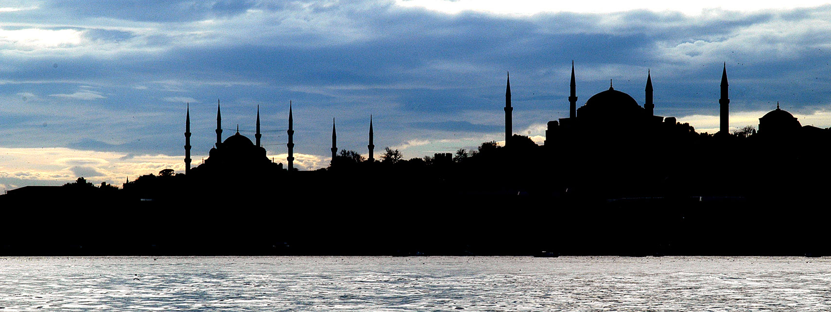 Sultanahmet Mosque (Blue Mosque) and Hagia Sophia (Ayasofya) in Istanbul