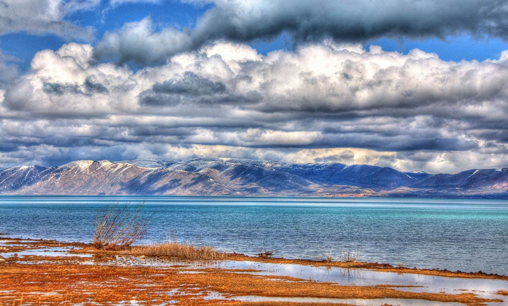 Bear lake on the Utah-Idaho border