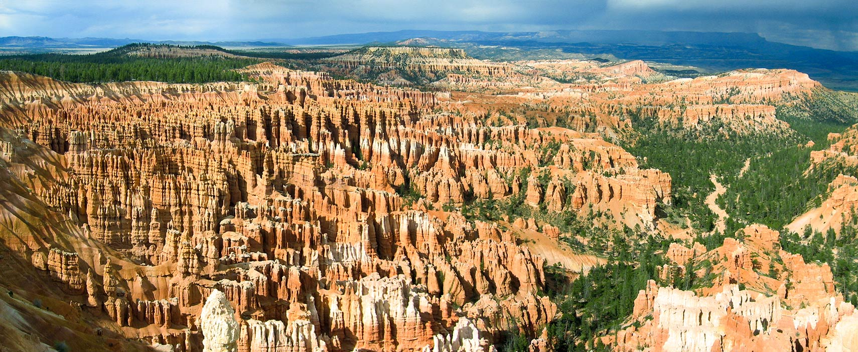 Bryce Canyon National Park with hoodoos