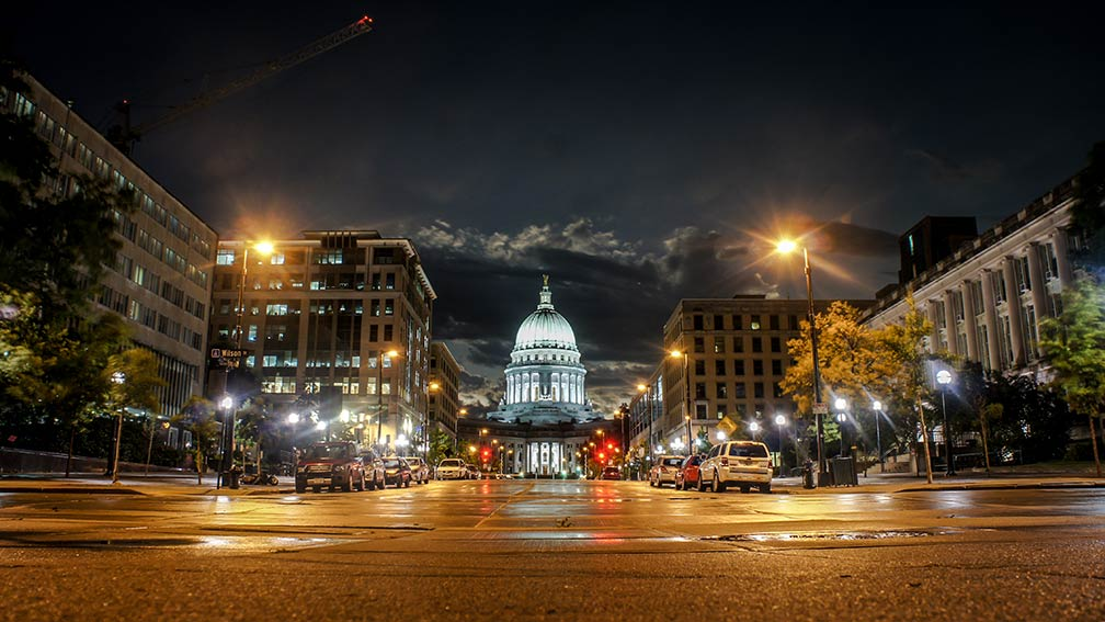 Wisconsin State Capitol at night